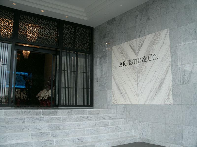 会社の玄関