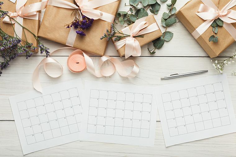 カレンダーとプレゼントボックス