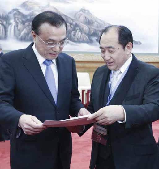 2019年1月25日李克強中国国務院総理(左)と小田先生(右)