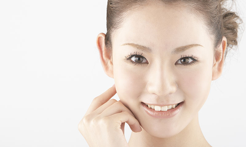 女性の顔の写真